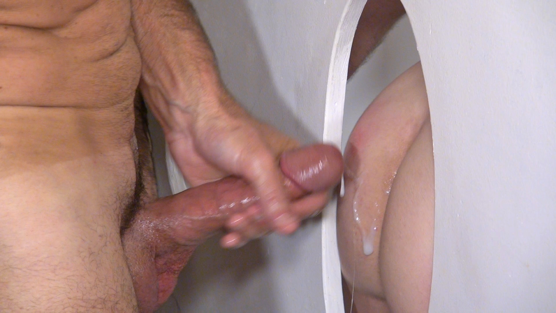 Amateur glory hole tube